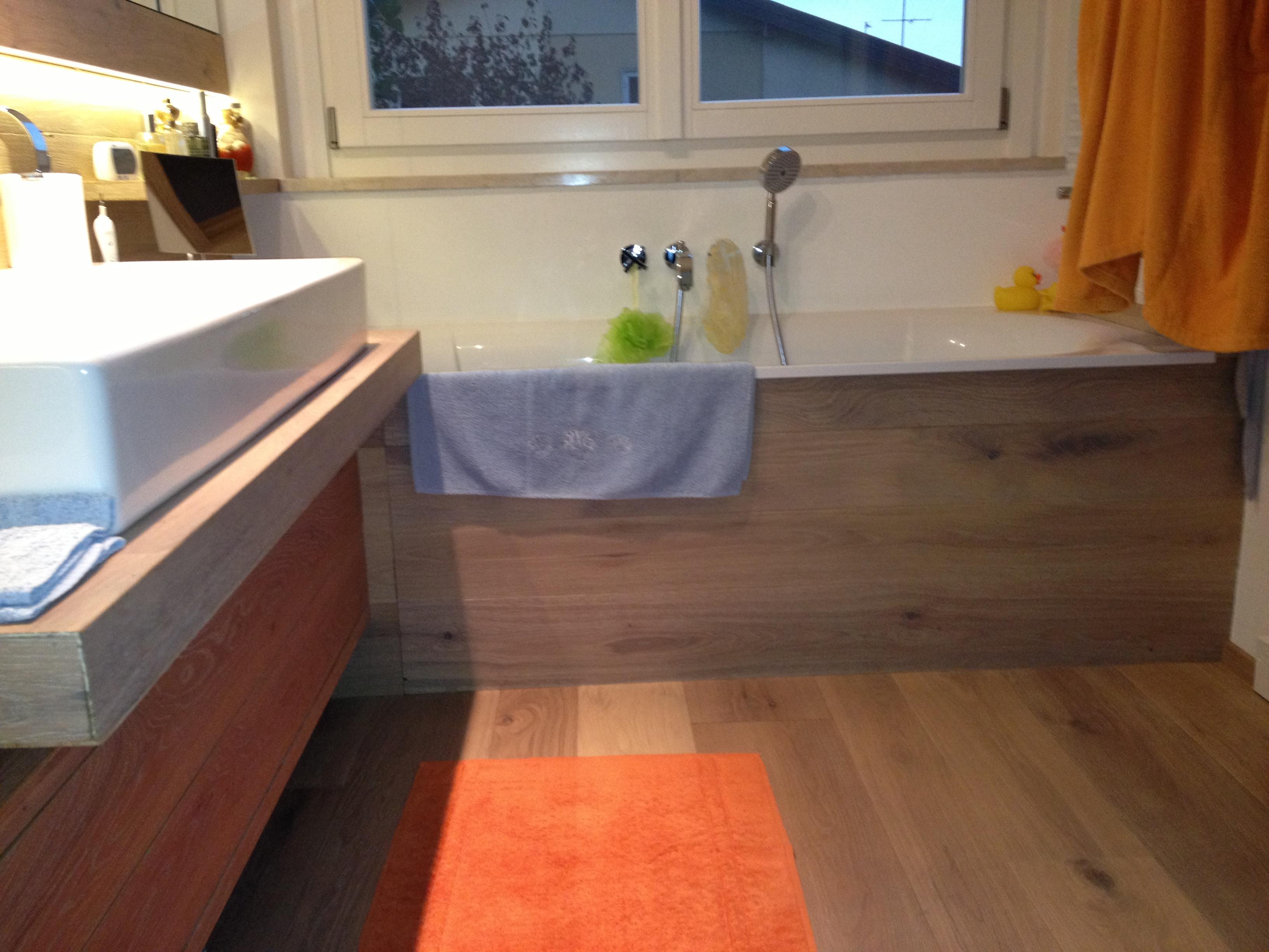 Bagni con pavimenti in legno: come scegliere il parquet i consigli